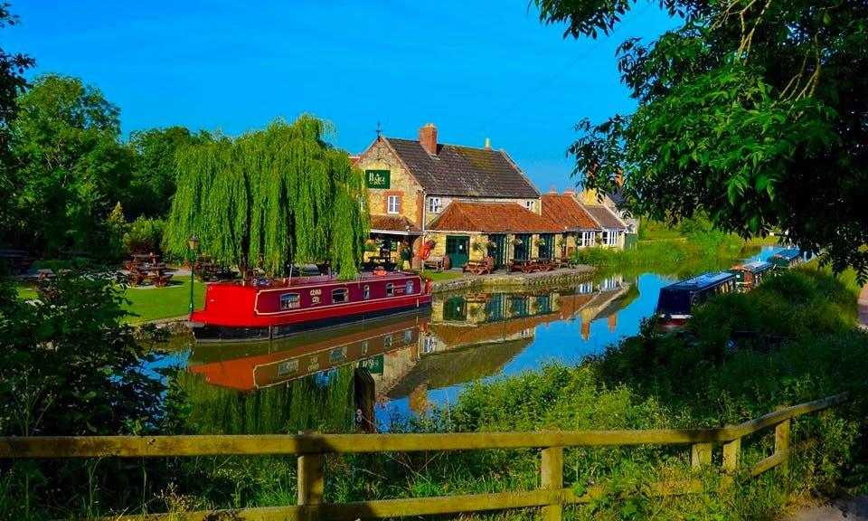 Canal Boat Grand Cru Hire  in Bath