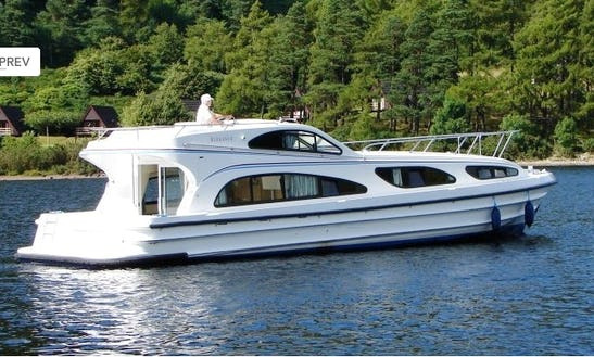 Luxurious Cruiser Le Boat Elegance Hire In Scotland