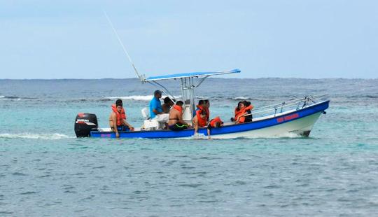 Glass Bottom Boat Tour & Snorkeling In Roatán, Honduras
