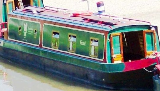 Canal Boat Foxtail Hire In Rowde