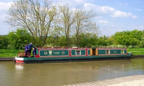 Canal Boat Foxtrot Hire In Rowde