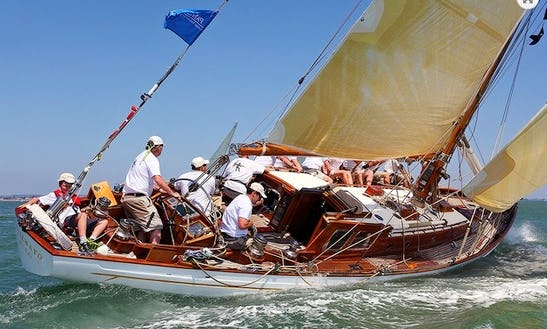 Cetewayo Classic Yacht Charter In Uk