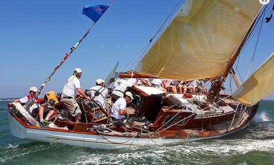 Cetewayo Classic Yacht Charter In Uk