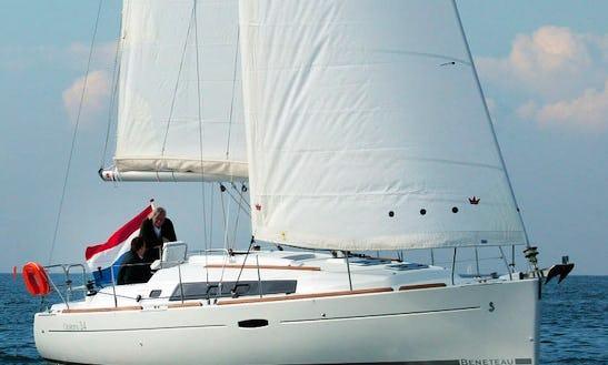 """Bénéteau 34 """"savannah"""" Yacht In Australia"""