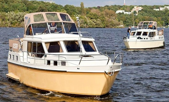 Charter A 6 Person Keser-hollandia 1000 C Motor Yacht Charter In Berlin, Germany