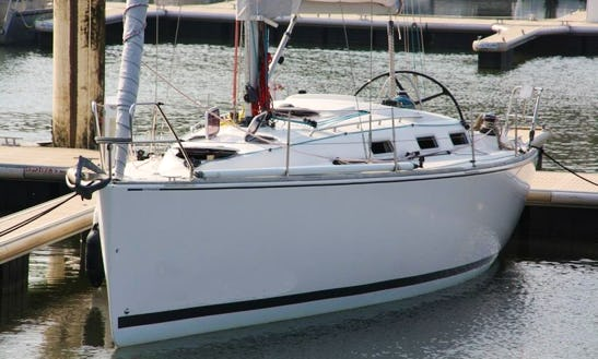 Charter 37' Salona Sailing Yacht In France