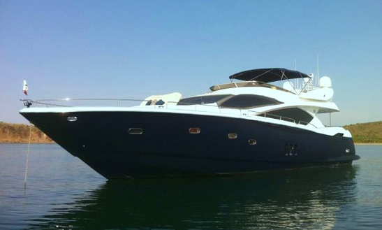 Charter 82' Tauri Yacht In Los Angeles