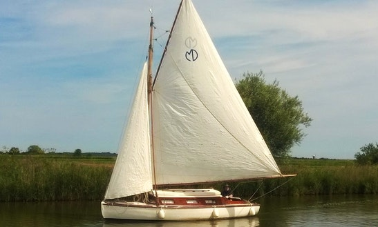 Hire This 22' Jenny Yacht In Martham