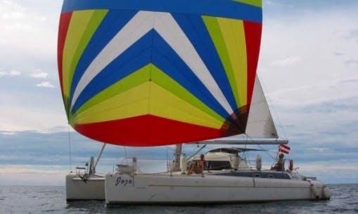 39′ Cruising Catamaran Charter in Panamá, Panama