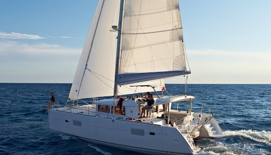 40′ Cruising Catamaran Charter In San Blas With Captain Franco For 10 People