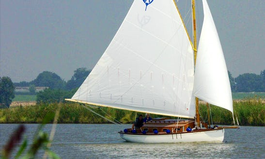 30ft Traditional Norfolk Broads Yacht