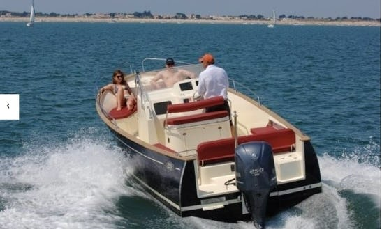 Rhea 23 Hire In Grimaud