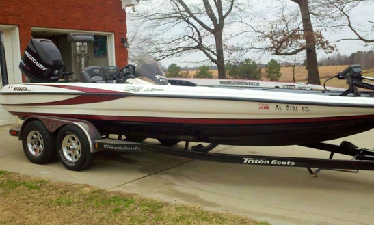21' Fishing Charter In Decatur, Alabama For Up To 4 Persons