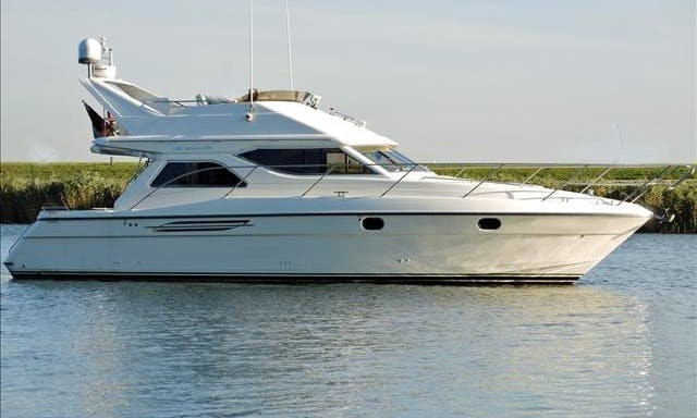 Explore West Greece on This 8 Persons Motor Yacht in Kyllini