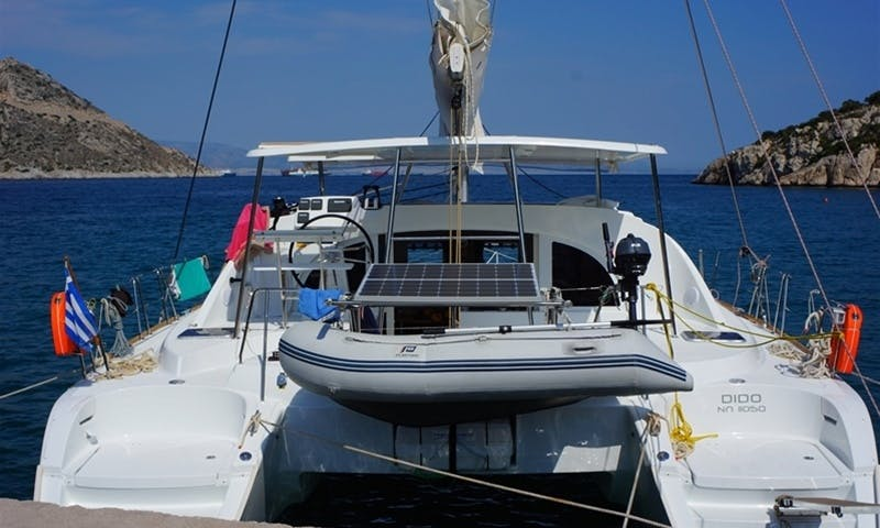 Charter Dido, Lagoon 380 Yacht in Alimos