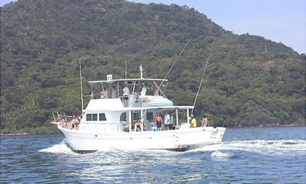 40' Private Surf Charter in Panamá