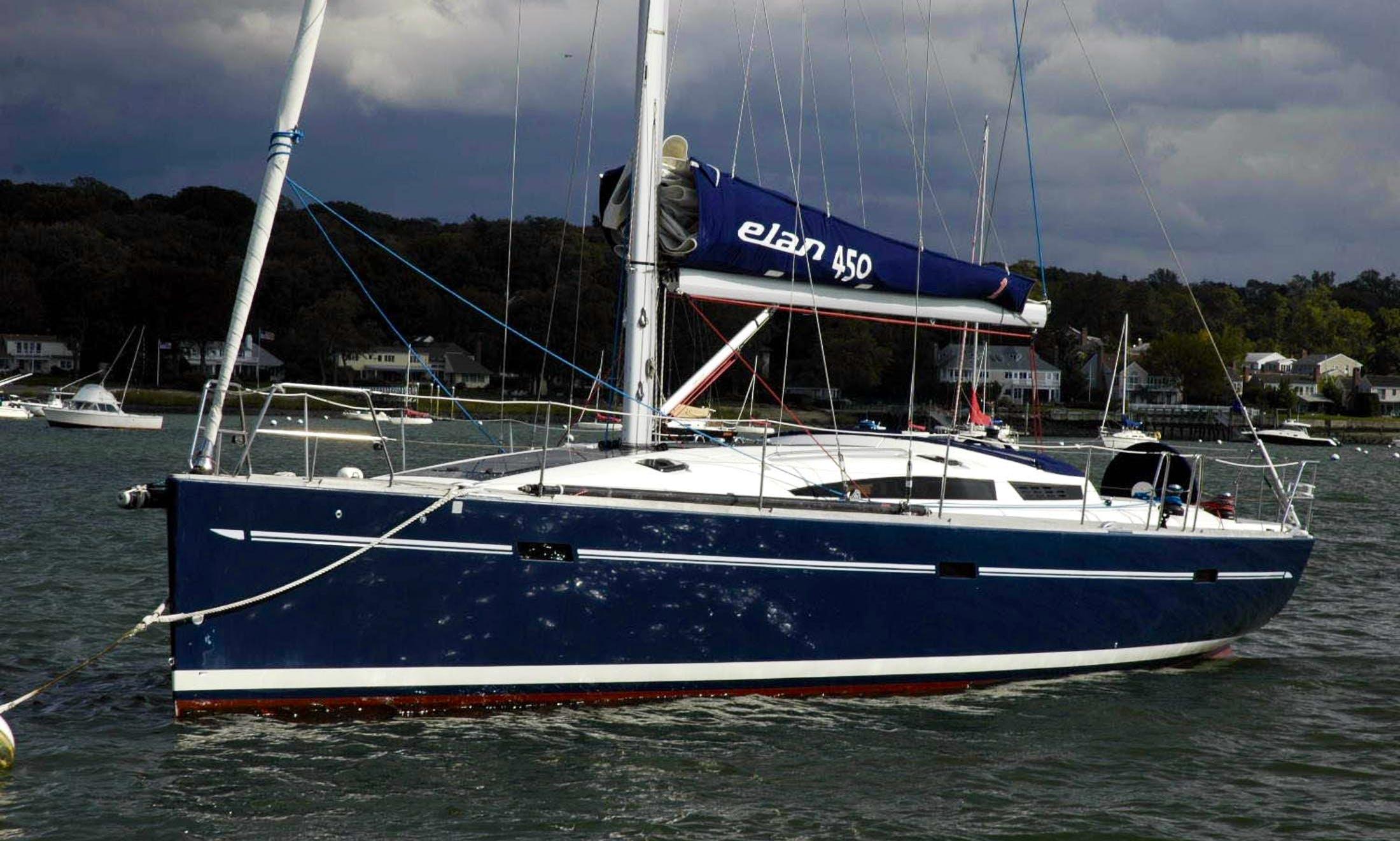 Hire an Elan 450 Sailing Yacht in Andalucía, Spain