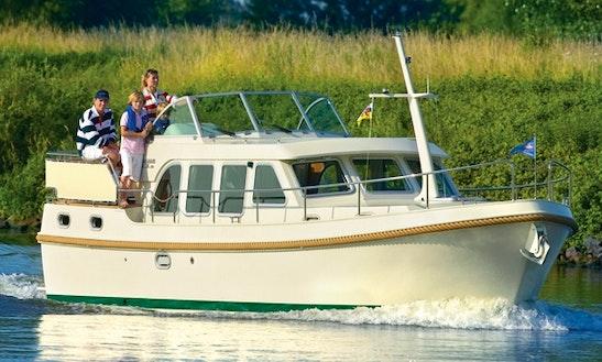 Grand Sturdy 29.9 Bareboat Yacht Charter