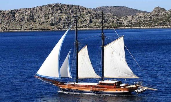 """""""Lady Sovereign II"""" Gulet Cruise in Montenegro"""