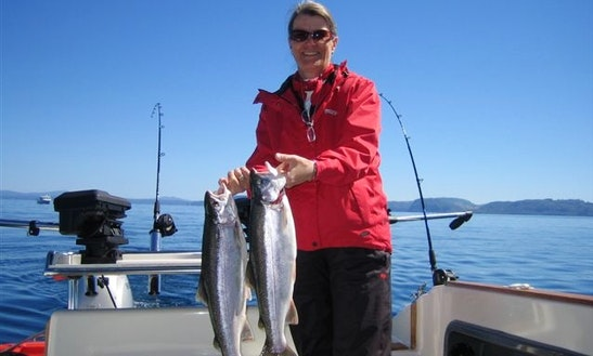 Trout Fishing, Cruising, Sightseeing On A 28' Stratus In Taupo