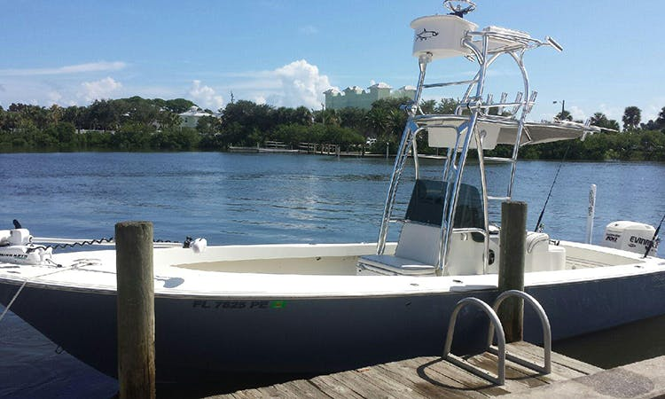 27ft Sport fisherman Boat Charter in New Smyrna Beach, Florida 6 People