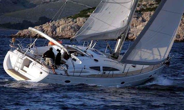 """Cruising Monohull Luxurous Elan 434 Impression """"Kalufra'' Charter in Punta Ala"""