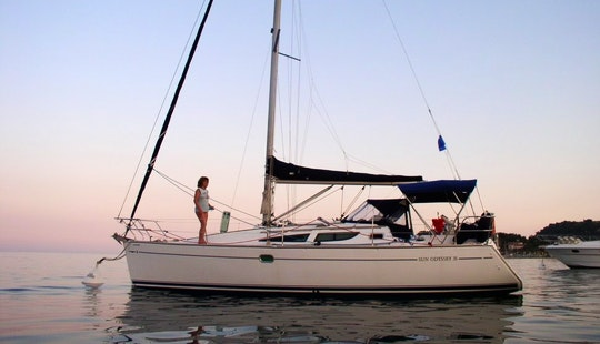 Luxury Cruiser Sun Odyssey 35 Charter In Punta Ala