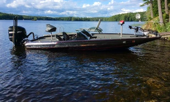 21' Bass Boat Charter In Nobleboro, Maine