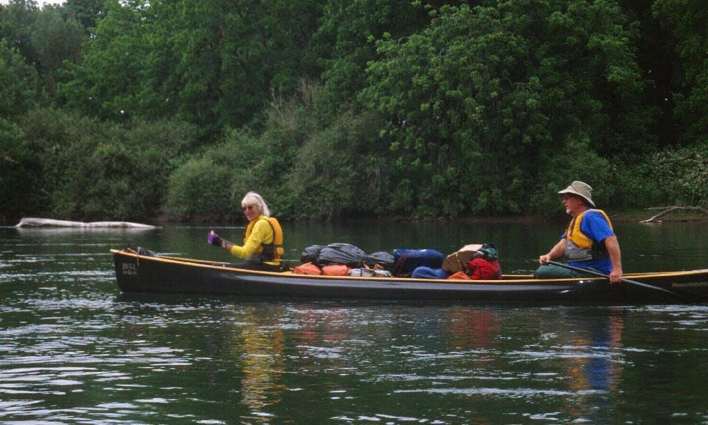 Willamette River canoe water trailing in Eugene