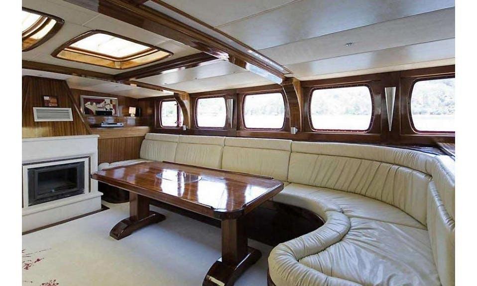 Socio Tours - Luxury Gulet 5 Cabin 38 Meter in Turkey