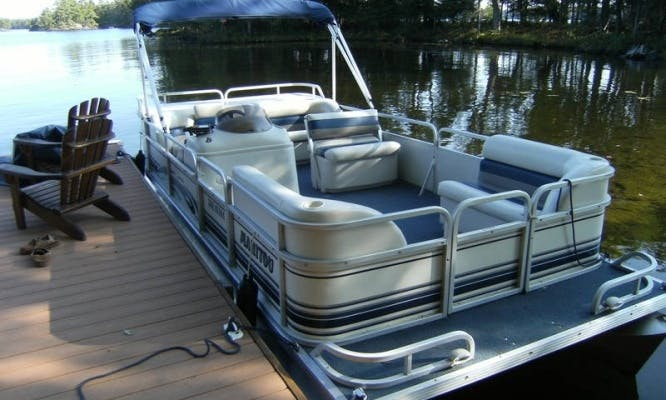 20ft Manitou Pontoon Boat Charter In Elkhart Lake, Wisconsin