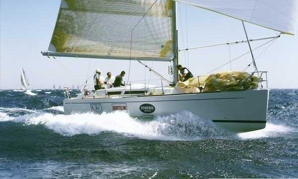 Luxury Cruiser 'Grand Soleil 37' Charter in Haute-Normandie