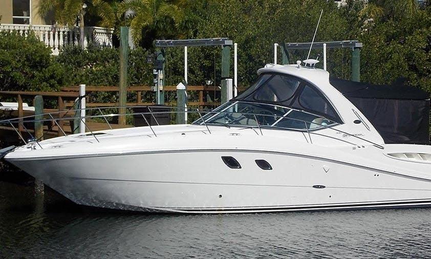 Motor Yacht Rental in Makarska, Croatia