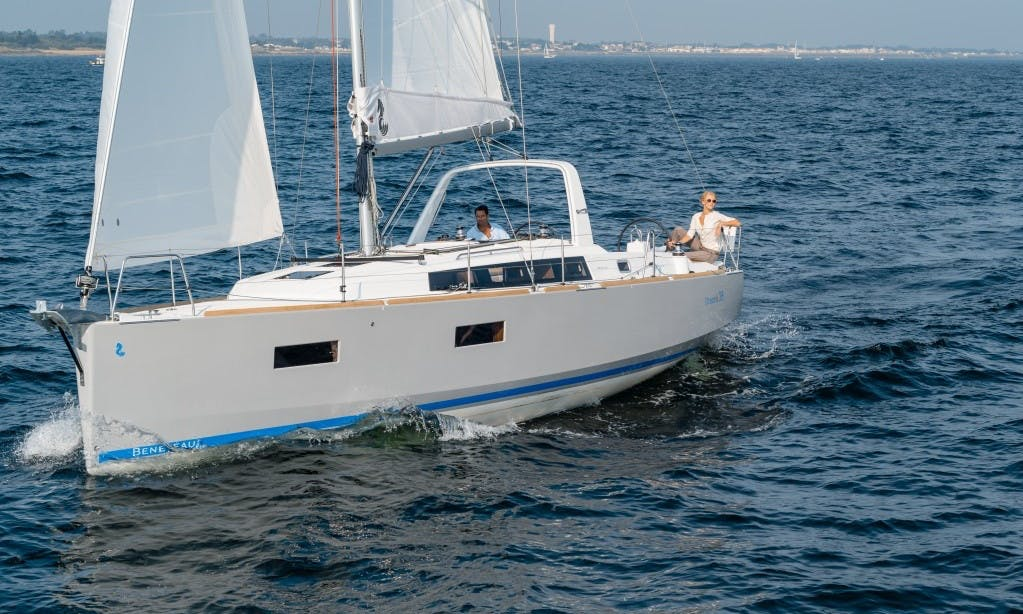 """Beneteau Oceanis 38 """"Mare Anemoi"""" Sailing Charter in Soúrpi"""