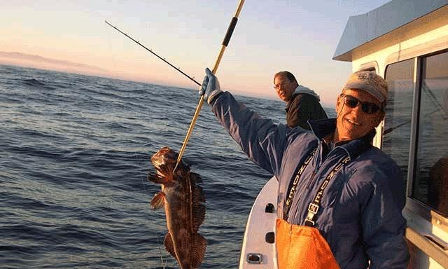 Salmon/Bottom Fishing Charter for 6 Person in Gold Beach, Oregon