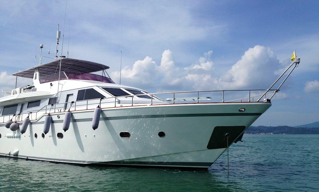 Power Mega Yacht in Jalan Persiaran Putra, Malaysia