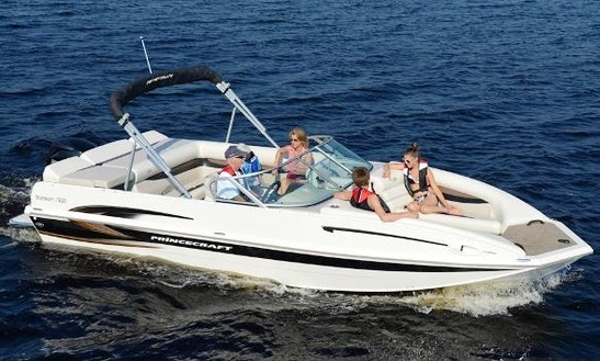 22ft. Princecraft Deck Boat Rental In Pittsburg