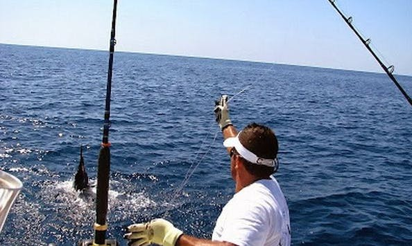 """38ft """"Black Rock"""" Luxury Sportfisherman Boat Charter in Orient, New York"""