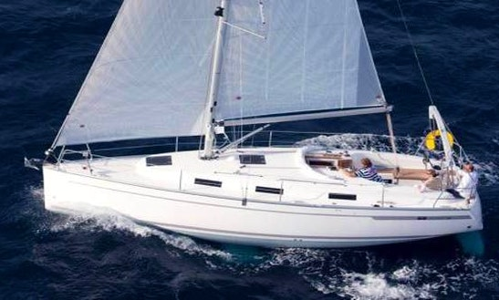Bavaria Cruiser 32 Cruising Monohull Rental In Saint-mandrier-sur-mer, France