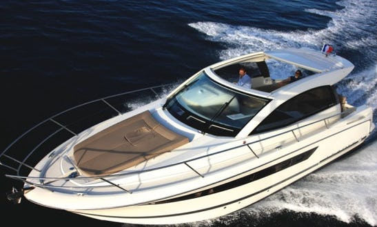Charter 33' Leader 10 Yacht In France