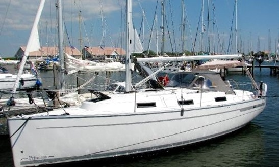 Bavaria 32 Cruiser Cruising Monohull Rental In Saint-mandrier-sur-mer, France