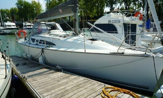 31ft Jeanneau Sun Fast 32i Cruising Monohull Rental In Baden, France