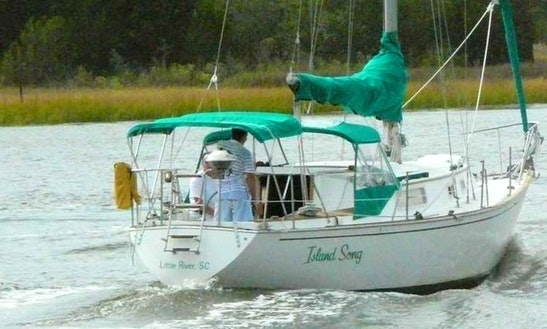 Charter On 32ft Morgan Sailboat In Little River, South Carolina