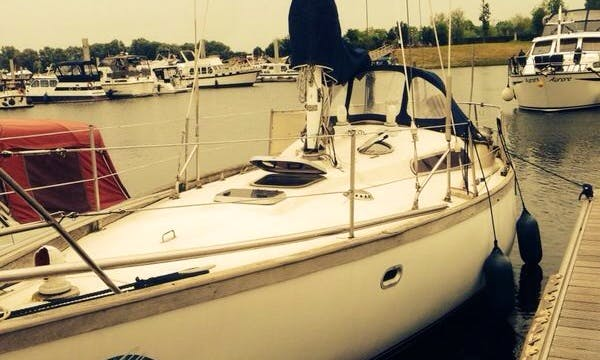 Daysailer for 4 People Available in Kinrooi, Belgium