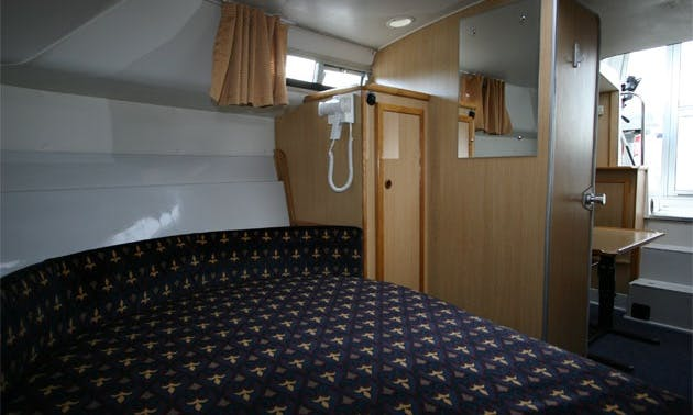 "Luxury ""Tyrone Class""Motor Yacht Charter in Limerick"