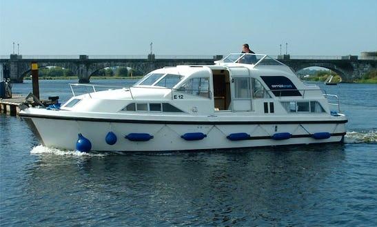 Motor Yacht Luxurious 'kilkenny Class' Charter In Ireland