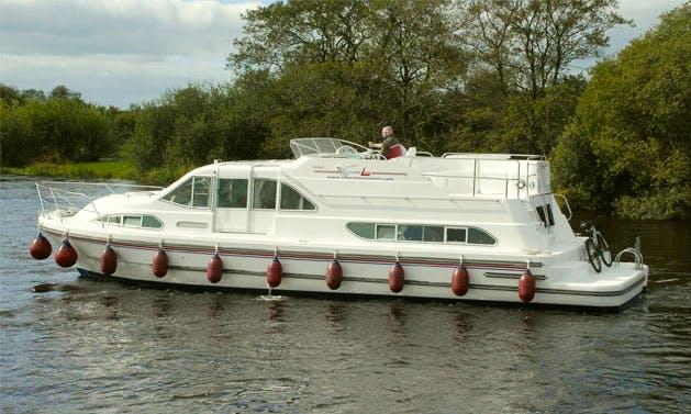 """Silver Spirit"" Luxury Motor Yacht Charter in Limerick"