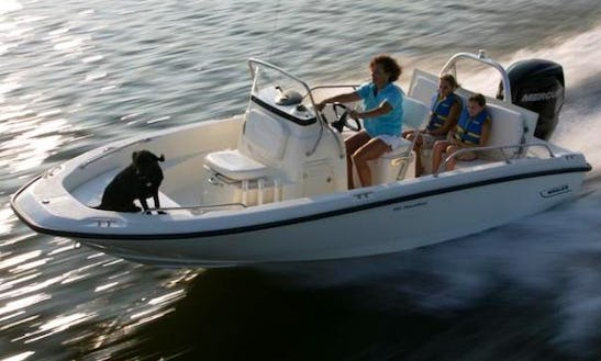 18ft Boston Whaler Dauntless Luxury Center Console Boat Rental In Nantucket, Massachusetts