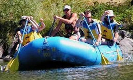 Illinois River Float Trips - Rafting In Tahlequah