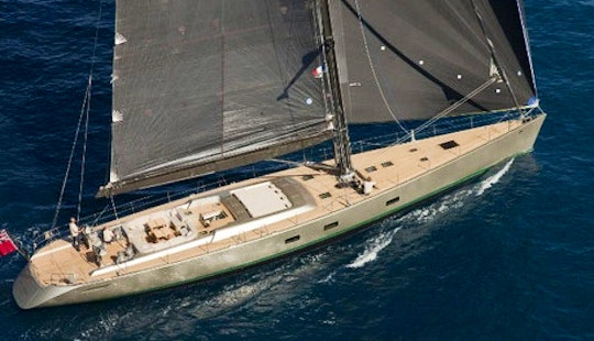 Sailing Sloop For 12 Person Ready To Charter In Viareggio, Toscana
